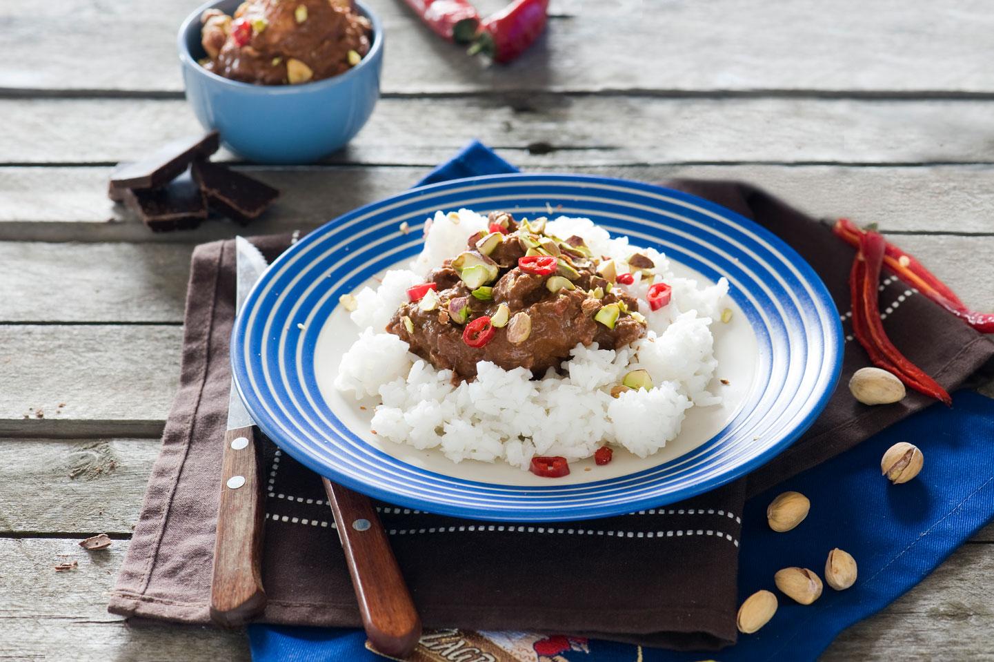 Przepis na: Meksykański kurczak w sosie mole z czekoladą i chili