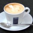 Kawa arabica kontra robusta. Co je wyróżnia?