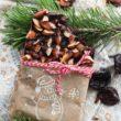 Wegańska czekolada ze śliwkami kalifornijskimi i prażonymi migdałami