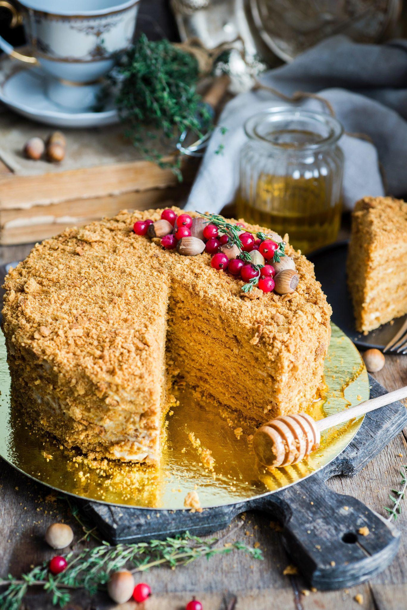 Nie zapomnij o tradycji – bakaliowy tort