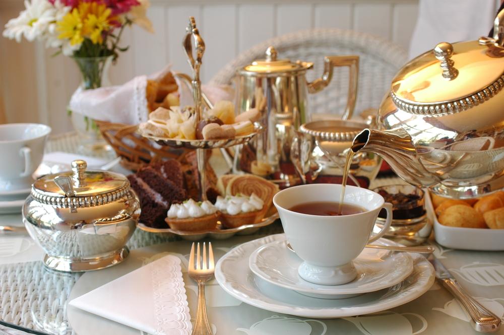 Czas na herbatę, czyli skąd się wzięła tradycja five o'clock