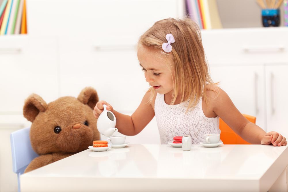 Czas na herbatkę w dziecięcym gronie