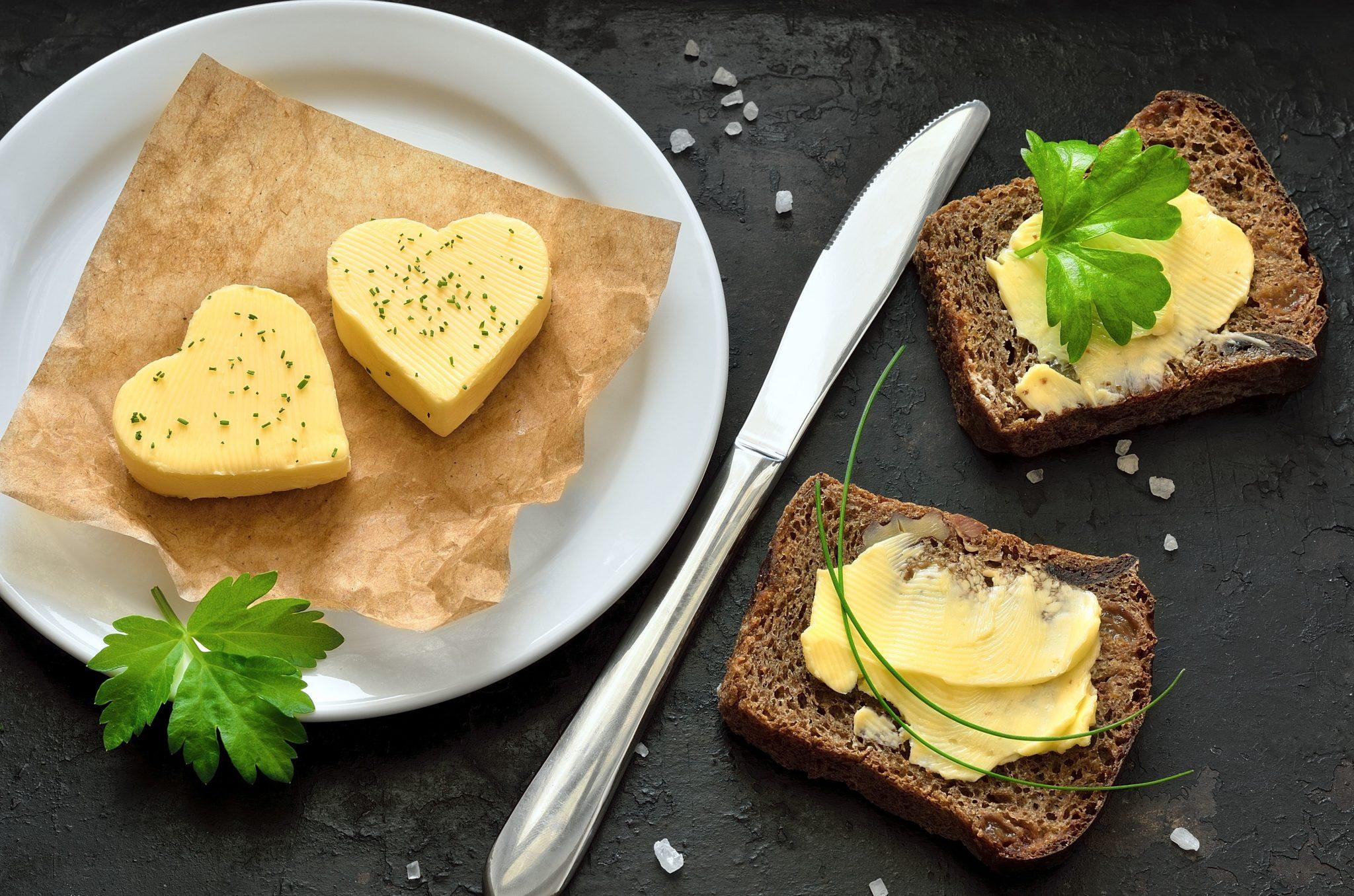 Masło maślane – jakie powinno być prawdziwe masło?