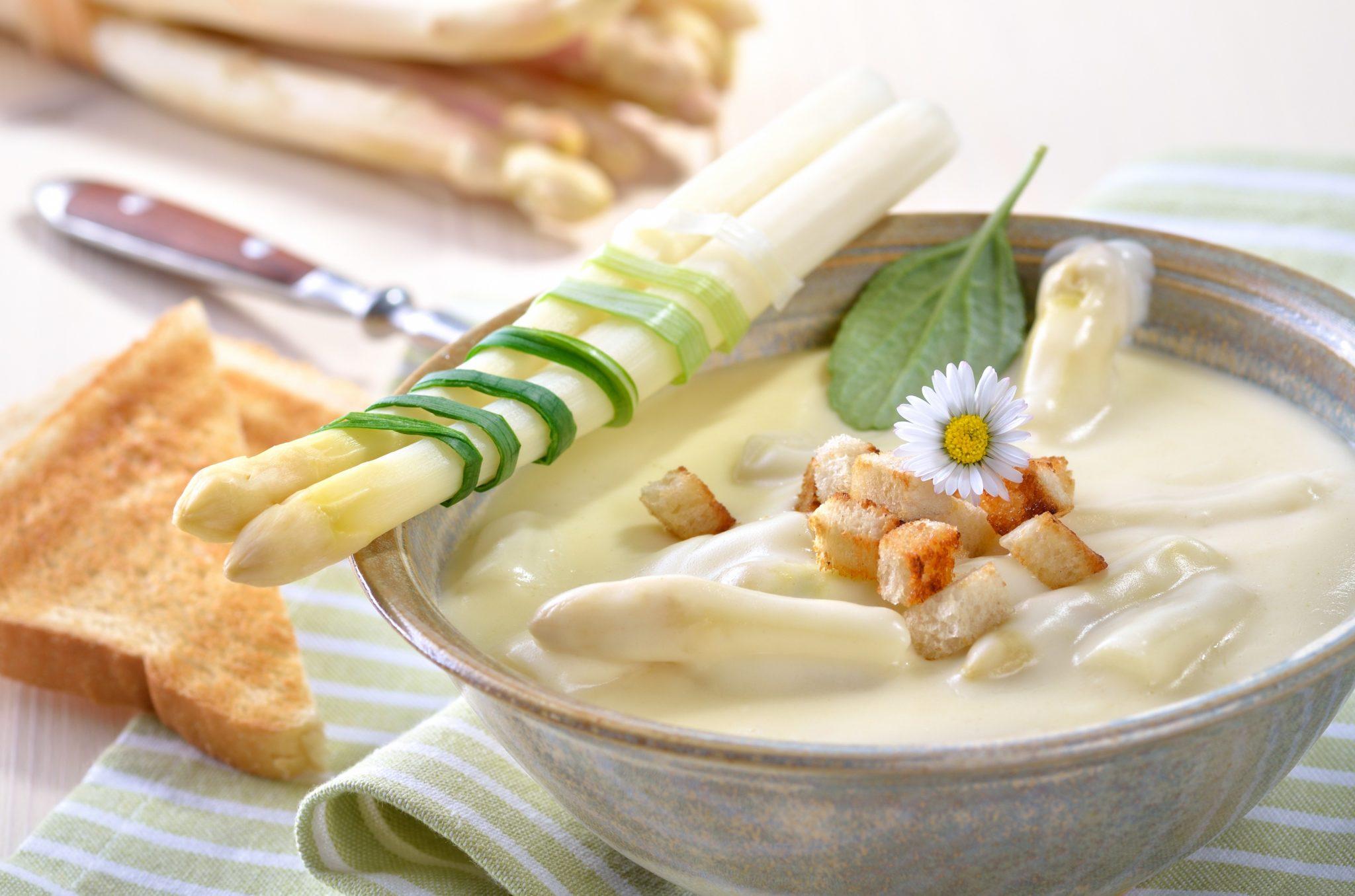 Białe szparagi – jak je przyrządzić?