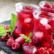 Herbaciani pomocnicy wody, czyli skuteczne nawadnianie latem