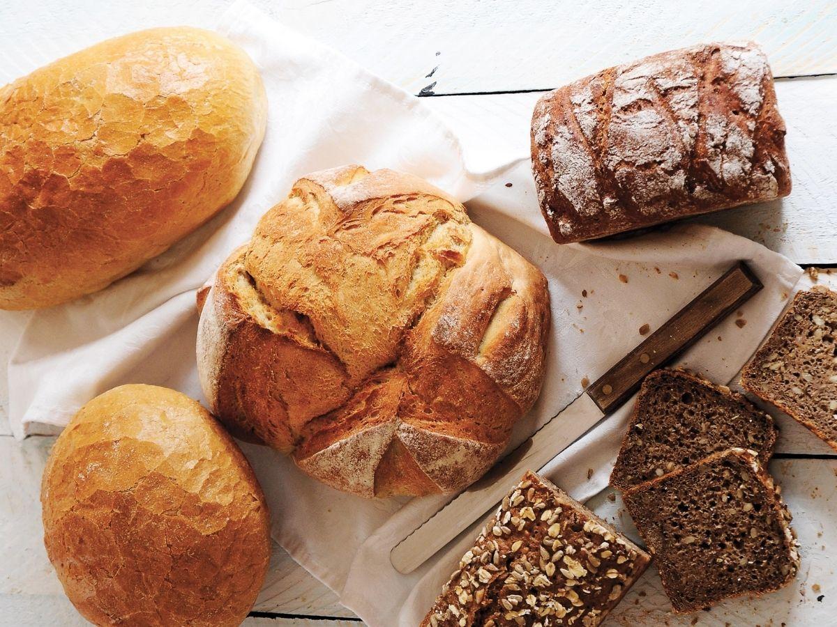36 kilogramów chleba zjada rocznie statystyczny Polak: jak wybrać ten najzdrowszy?