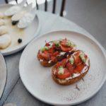 Moda na włoskie jedzenie i przekąski – crostini