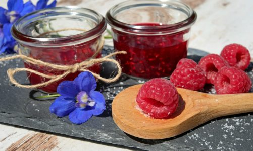 PRZETWORY PACHNĄCE ZIOŁAMI – niebanalne przepisy na dżemy z warzyw i owoców